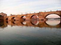 Puente de Piedra (Zaragoza)